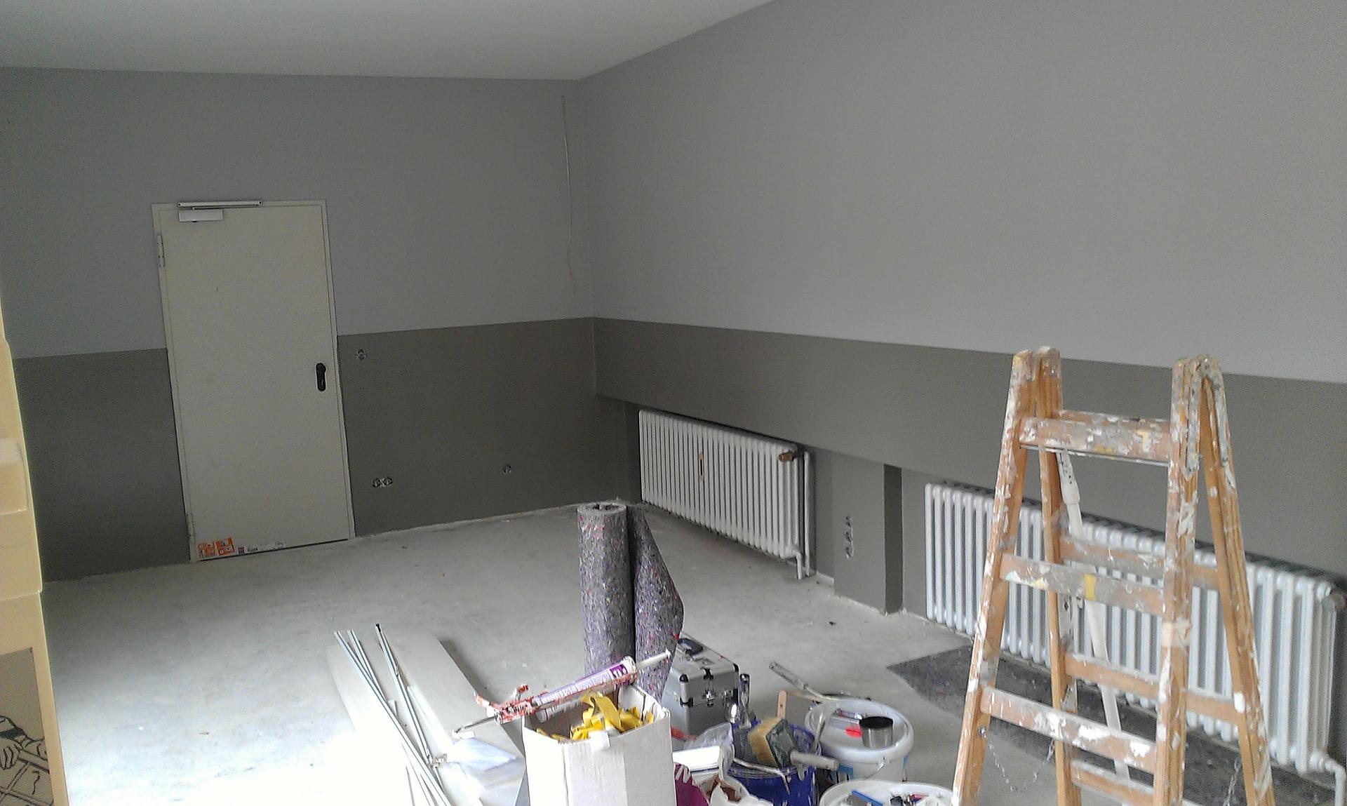 Travaux de rénovation dans une pièce